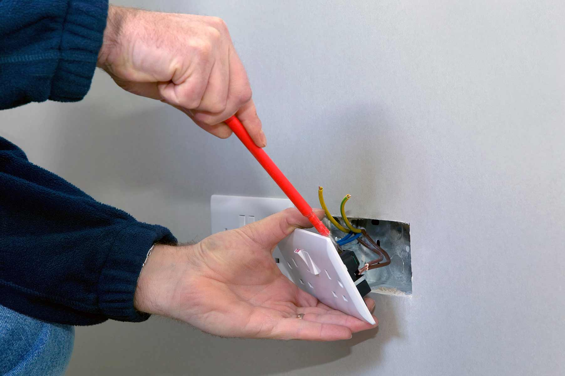 Our electricians can install plug sockets for domestic and commercial proeprties in West Wickham and the local area.